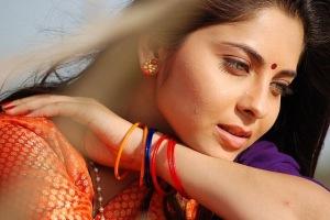 c0me9yn9nz53pxg4.D.0.sonali-kulkarni-marathi-actress